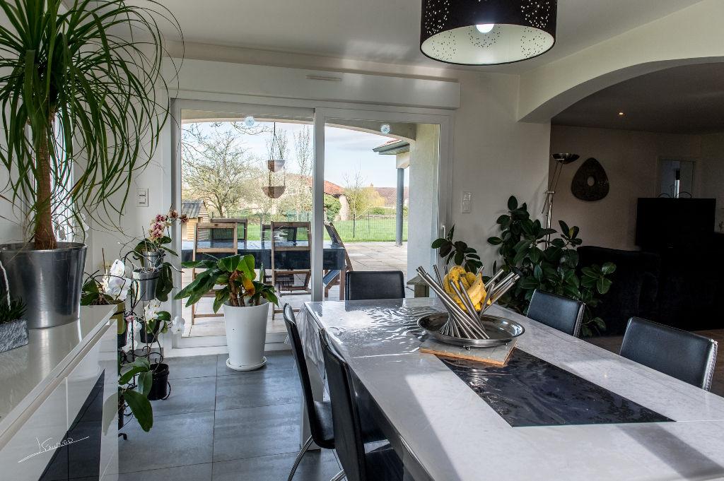 0 m 288 500 portail immobilier en lorraine. Black Bedroom Furniture Sets. Home Design Ideas